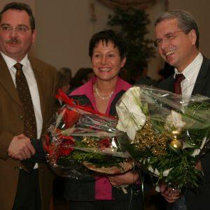Udo SCHIEFNER gratuliert Monika RUFF-HÄNDELKES und Uwe LEUCHTENBERG zu deren Nominierung